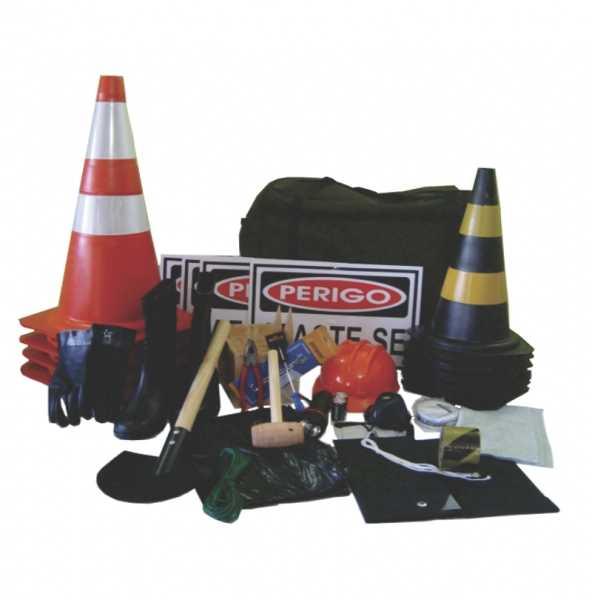Equipamentos de segurança obrigatórios para o transporte de produtos perigosos, conforme norma NBR 15071. Click na figura para verificar a relação dos produtos.