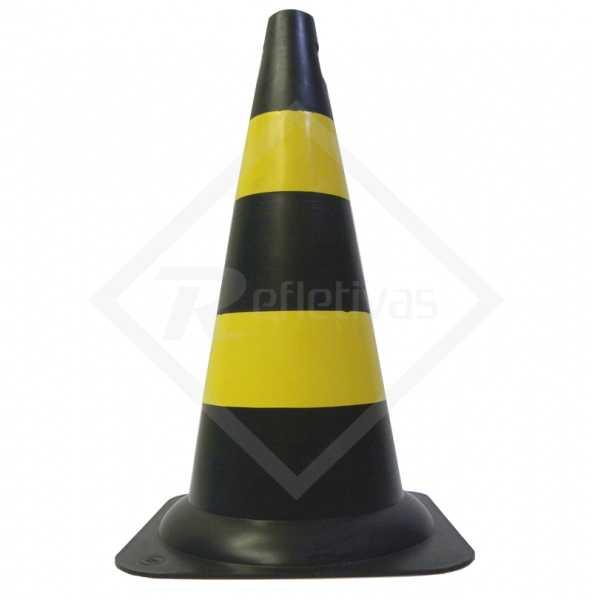 Cone Sinalizador Preto e Amarelo 50cm ou 70 cm rígido.