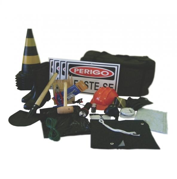 Equipamentos de segurança obrigatórios para o transporte de produtos  perigosos, conforme normas NBR 9735. 49353d3fba